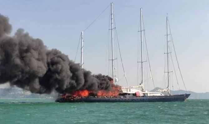 Элитная яхта, некогда принадлежавшая владельцу Adidas, загорелась и затонула в Малайзии